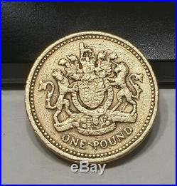 1983 Royal Arms Crest £1 Pound Coin Old Style (One Pound) Coin Hunt MINT RARE