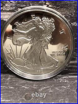 1992 AMERICAN SILVER EAGLE Proof Round. 999 Fine Silver 1/2 Pound 8 Ozt 249 Gra