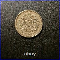 Old £1 Pound Coin 1993 The Royal Arms Rare